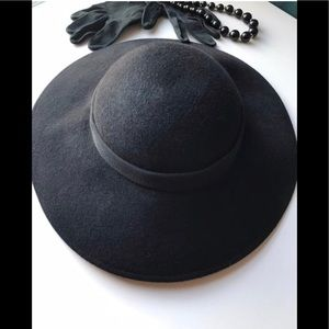 Vintage Black Felted Hat with Wide Brim and Bow